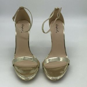 Qupid Gold Ankle Strap Heels Size 8